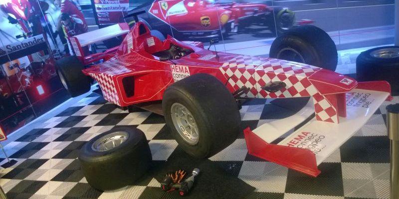 Reifenwechselspiel Rot (weiss)